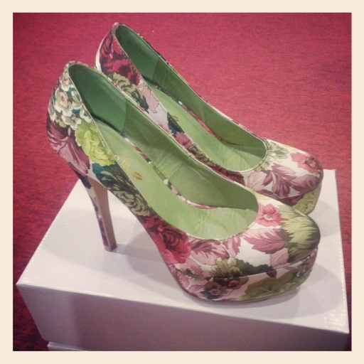Kiss & Tell Floral Pumps